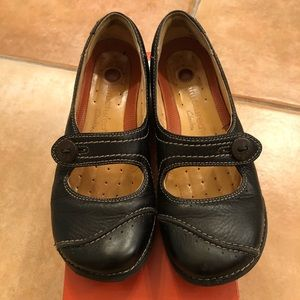Clark's black walking shoes